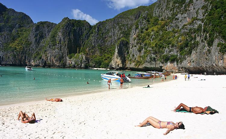 Майя Бэй (Maya Bay Beach)