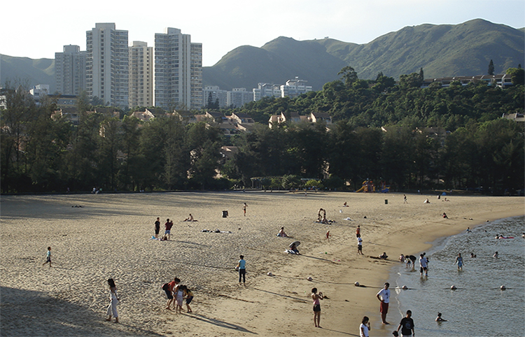 Дискавери Бей (Discovery Bay Beach)