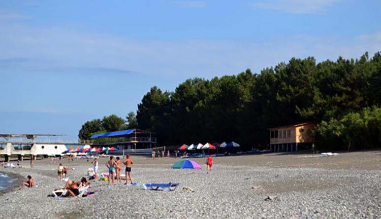 Пляж посёлка Молочный