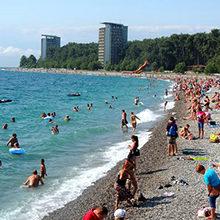 Лучшие пляжи Пицунды — обзор популярных мест