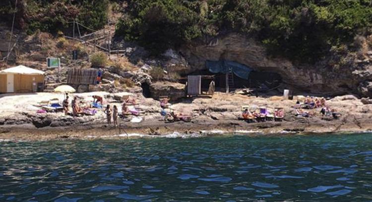 Пиньятелла (Spiaggia La Pignatella)