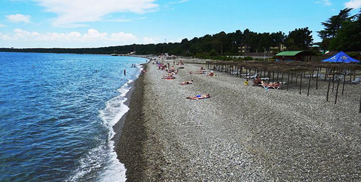 Пляж в районе Рыбзавода