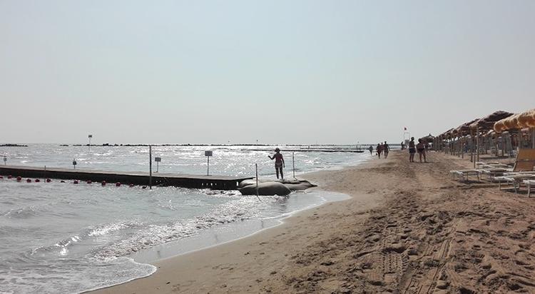 Пляжный клуб Аммираглия (Ammiraglia Beach Club)