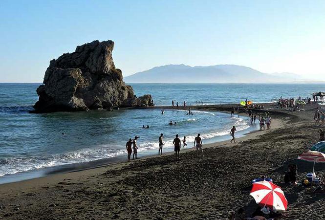 Пеньон дель Куэрво (Playa Peñon del Cuervo)